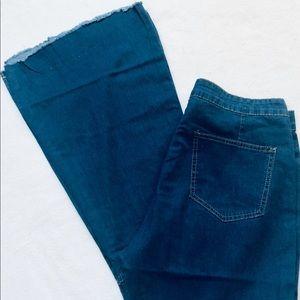 Jeans - 💙 Plus Size Bell Bottom Boho Hippie Jeans Size 14